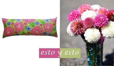 Cojín pura seda / EbanoDeco . Ramo de dalias rosas y blancas