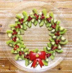 Yummy Christmas fruit kiwi wreath.