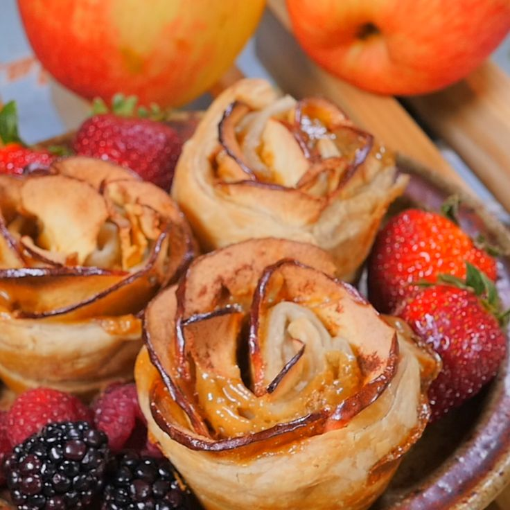 Considering How Gorgeous These Rose Pastries Look, We'd Never Guess They Were So Easy!