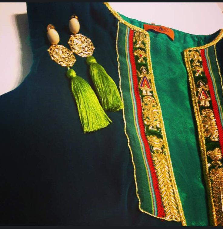 Farmla pour femme tunisienne Anex broderie traditionnelle et boucles d oreilles faites à la main