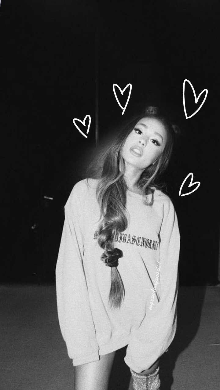 Ariana Grande wallpaper. @myrandomfanarts1 on ig
