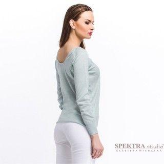 modna damska trendy 2015 wiosna lato letnia stylizacja kobiecy lekki sweter z połyskiem i subtelnym dekoltem z tyłu - błękitny