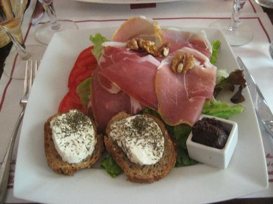 Le Cafe Jacquemart-Andre Museum 158, bd Haussmann, 75008 Paris, France (Champs-Élysées) 01 45 62 11 59 Good for Museum and lunch