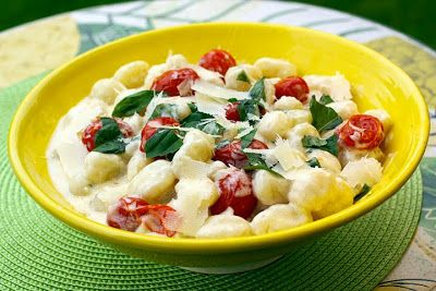 The Cooking Photographer: Gnocchi with Roasted Tomatoes and Fresh Basil in Garlic Cream Sauce