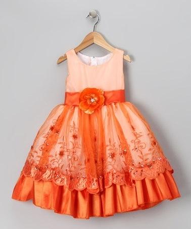 Ie opinan de este hermoso vestidito para tus pajes...