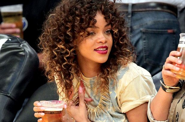 curly ombre is gorgeous! If only i could trust someone to do this for me <3