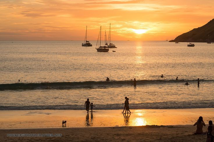 https://flic.kr/p/ThsEZ8   Sunset with yachts and catamarans at Nai Harn beach, Phuket, Thailand   Fishing, yacht, islands and sunsets at our fishing tour from Phuket to deep sea.   Больше фото и рассказов из моих путешествий по земле и на яхте на форуме forum.linvoyage.com