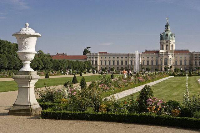Updated Guide to Charlottenburg Palace in Berlin #gogermany @aboutcomtravel
