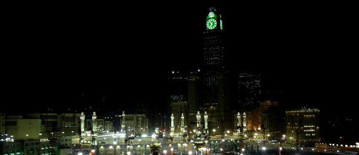 Meca: a cidade santa do islamismo já não é o que era  #arábiasaudita #arábiasauditacultura #arábiasauditacuriosidades #capitalarábiasaudita #Islamismo #islão #meca #meka #peregrinaçãomeca #peregrinaçãoreligiosa #quedadeguindaste