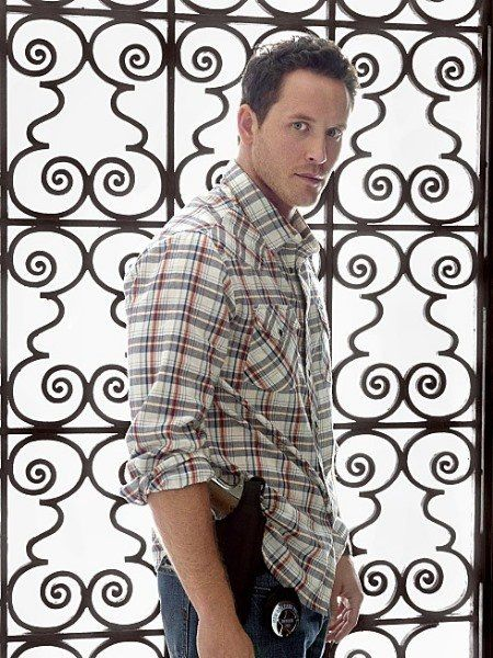 Cole Hauser... yes, he will wear the pistol on his hip