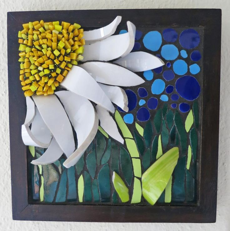 "Daisy Patch 8x8"" wall hanging by Nikki Inc Mosaics - great idea for those curved pieces from bowls and cups"