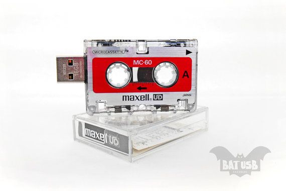 BAT™ USB 16GB  Mini BAT™ USB 16GB - Mini journalist Maxell analog recorder tape usb - Analog Interview cassette case - Offer with Extension Angle Cabl by Think4HandmadeArt 35€