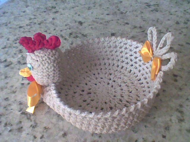 Croche da Sarinha: Cestinha galinha de croche endurecido