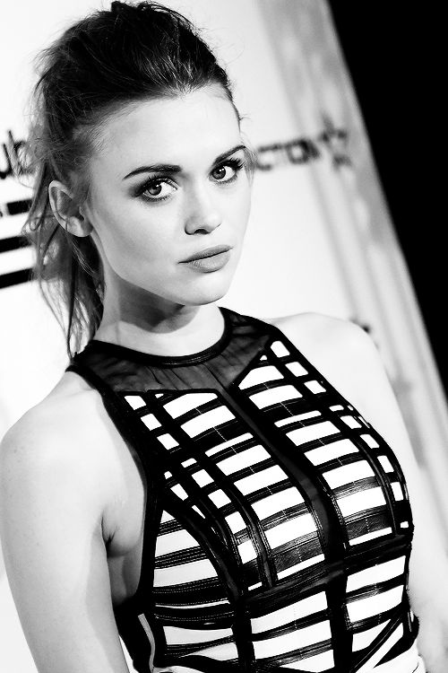 Actress Holland Roden attends the Republic Records Grammy Celebration presented by Chromecast Audio at Hyde Sunset Kitchen & Cocktail on February 15, 2016 in Los Angeles, California.