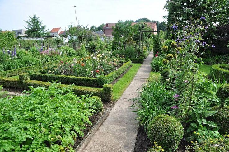 Fam Sax Formal Garden Formal Gardens Garden
