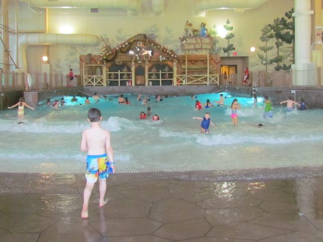 Indoor Water Park Fun at Great Wolf Lodge New England ...