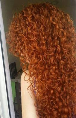 I love this curly hair! Wish I had curls like this...