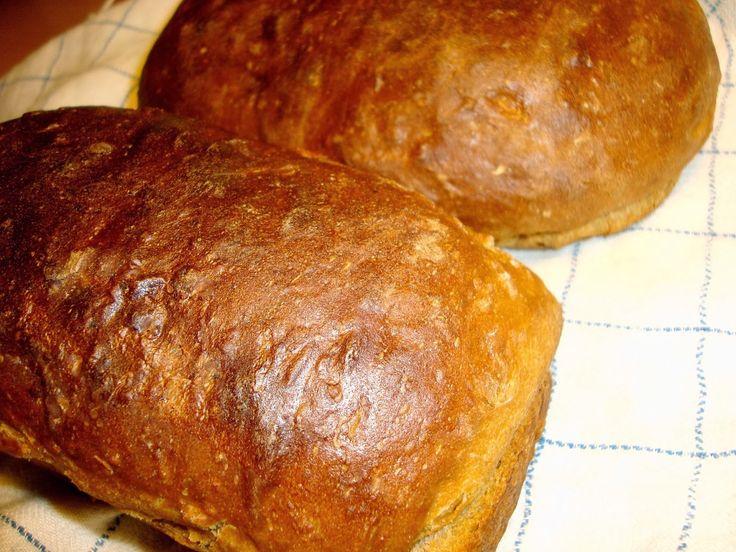 Ankarstock Mjukt, mustigt och fylligt bröd med surdegskaraktär som tar två dagar att baka, men är väl värt att vänta på. Mycket gott vardagsbröd.     A...