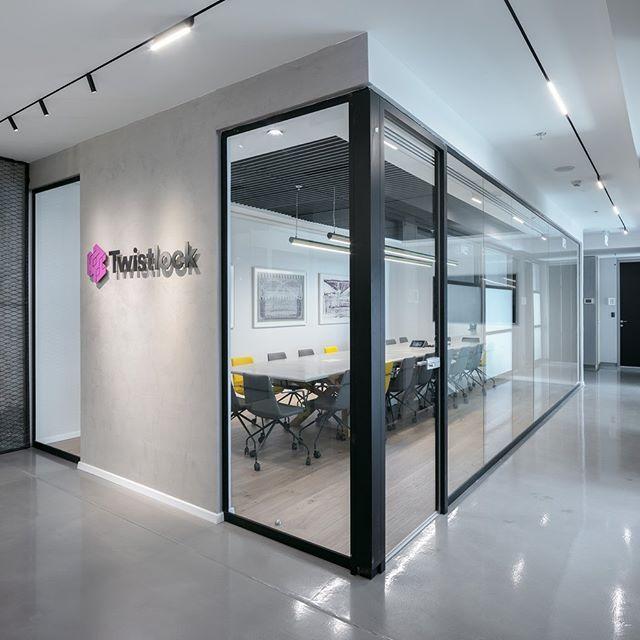 ديكورات اضاءة حديثة Dubaishop Dubai Dubaioffers مصباح Led Lighting Design Interior Office Interior Design Interior Decorating