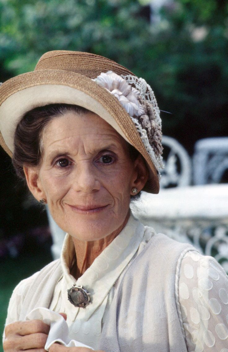 Athena massey red alert pictures to pin on pinterest - Find This Pin And More On Filmsorozat V Ratlan Utaz S Road To Avonlea By Szjotunderke