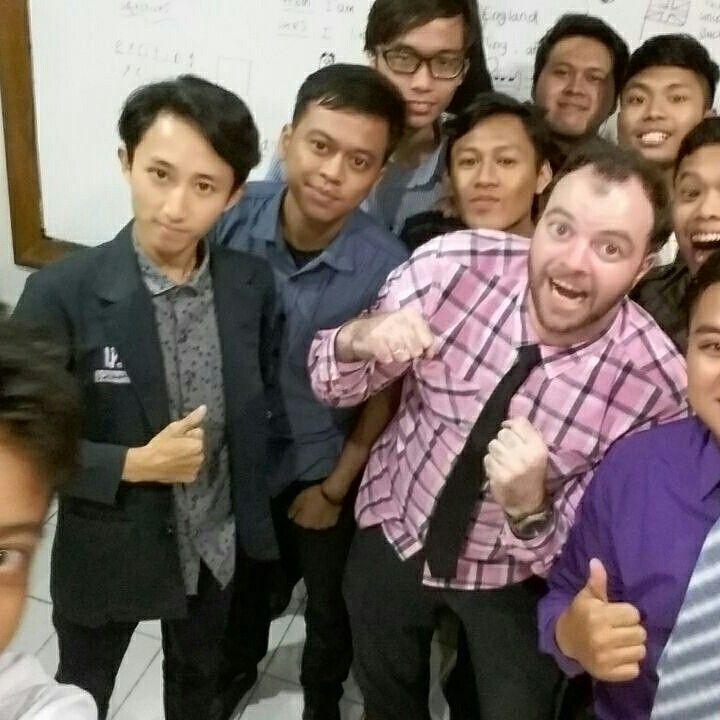 Guru Native Speaker untuk Sekolah/ Kantor anda di Jakarta, Tangerang, Bekasi. TELP/WA 081316924518 VISIT www.bahasacorner.com