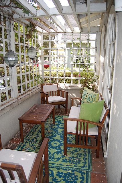 17 best ideas about enclosed porch decorating on pinterest Front porch without roof