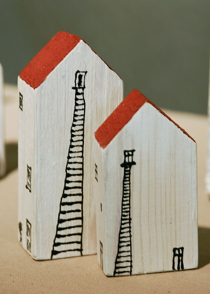 Hand painted wooden houses by Bivalviaart.com (Estonia Tallinn Sauna 10)