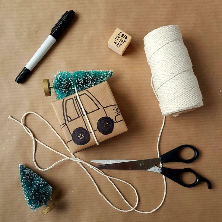kreatywne pakowanie prezentów [creative gifts wrapping - car and christmas tree]