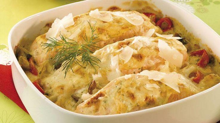 Ovnsrett med laks, gratinerte grønnsaker og parmesan - Middag - Oppskrifter - Toro