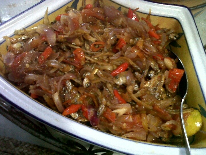 Teri cabe rawit..fried anchovy with chilli and onions