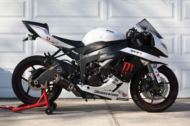 White monster Kawasaki Ninja ZX6r