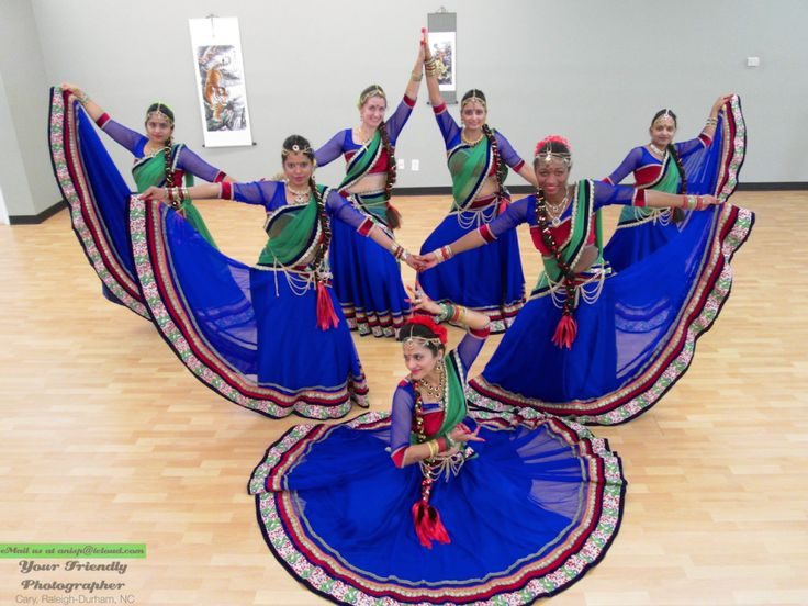 bollywood dance poses - Hledat Googlem