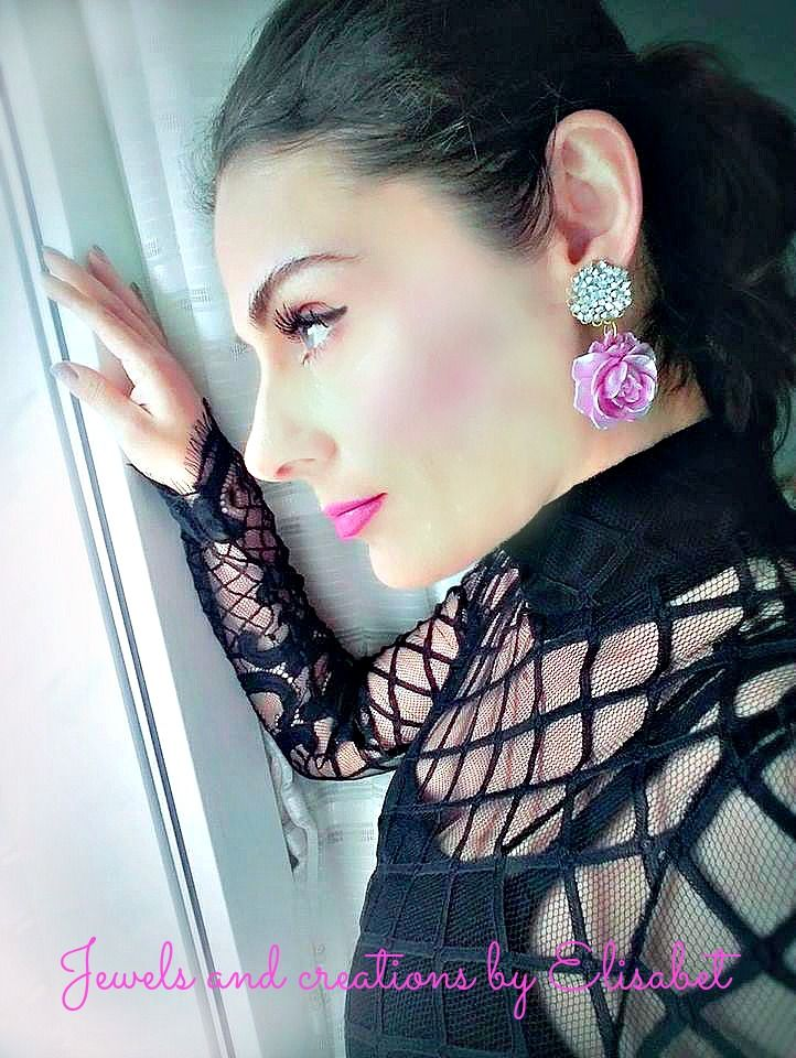 #earrings #lace #outfit #lacedress #spring #elegant #chic #black #new #roses #chiffon #woman #lady #femme #valentine #gifts #womangift #bride #inspiration