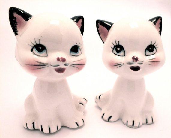 Vintage Salt and Pepper Cats