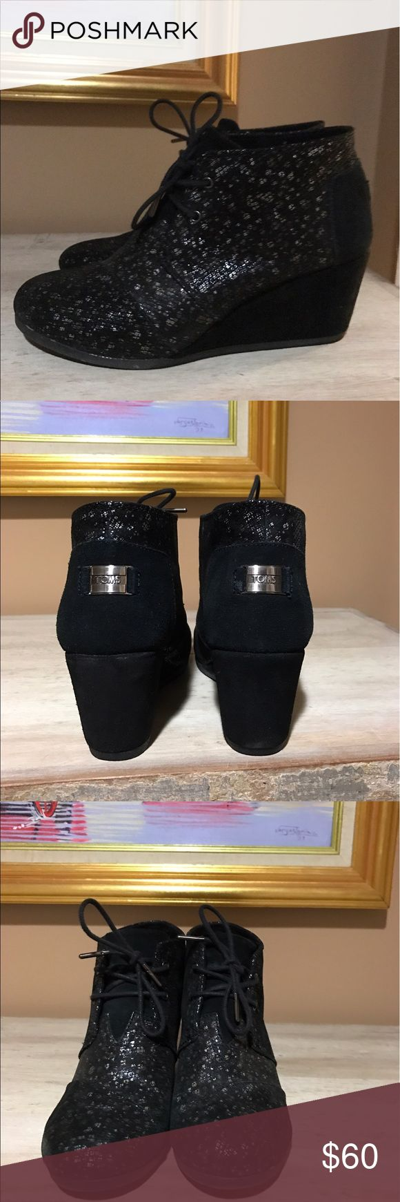 Toms Desert Wedge Bootie Black with specks.  Slightly padded sole.     A Very comfortable, every day shoe TOMS Shoes Ankle Boots & Booties