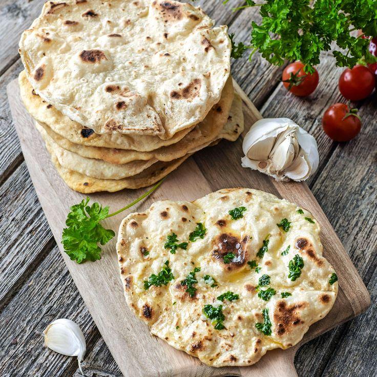 Chapati är ett tunt ojäst bröd som steks i stekpanna.