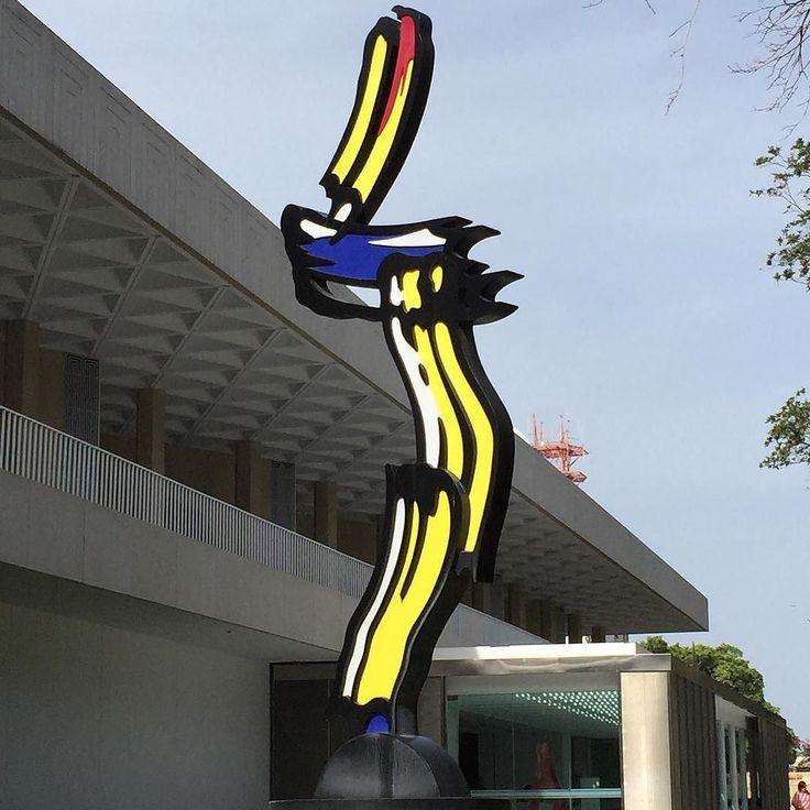 Escultura contemporánea celebrando el arte de la caricatura. Museo de Arte de Ponce. Puerto Rico. Junio 2015. #borinquen #ponce #arteycultura #turismocultural #viajeranoturista