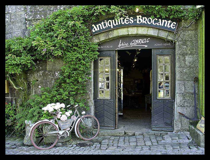 Locronan, the most incredible town in Brittany