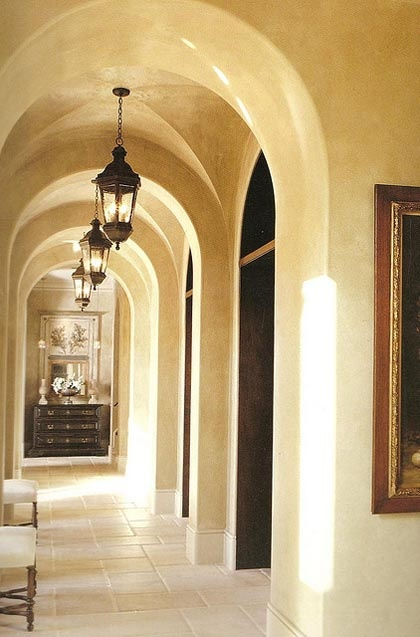 I would love a hallway as pretty as this:3