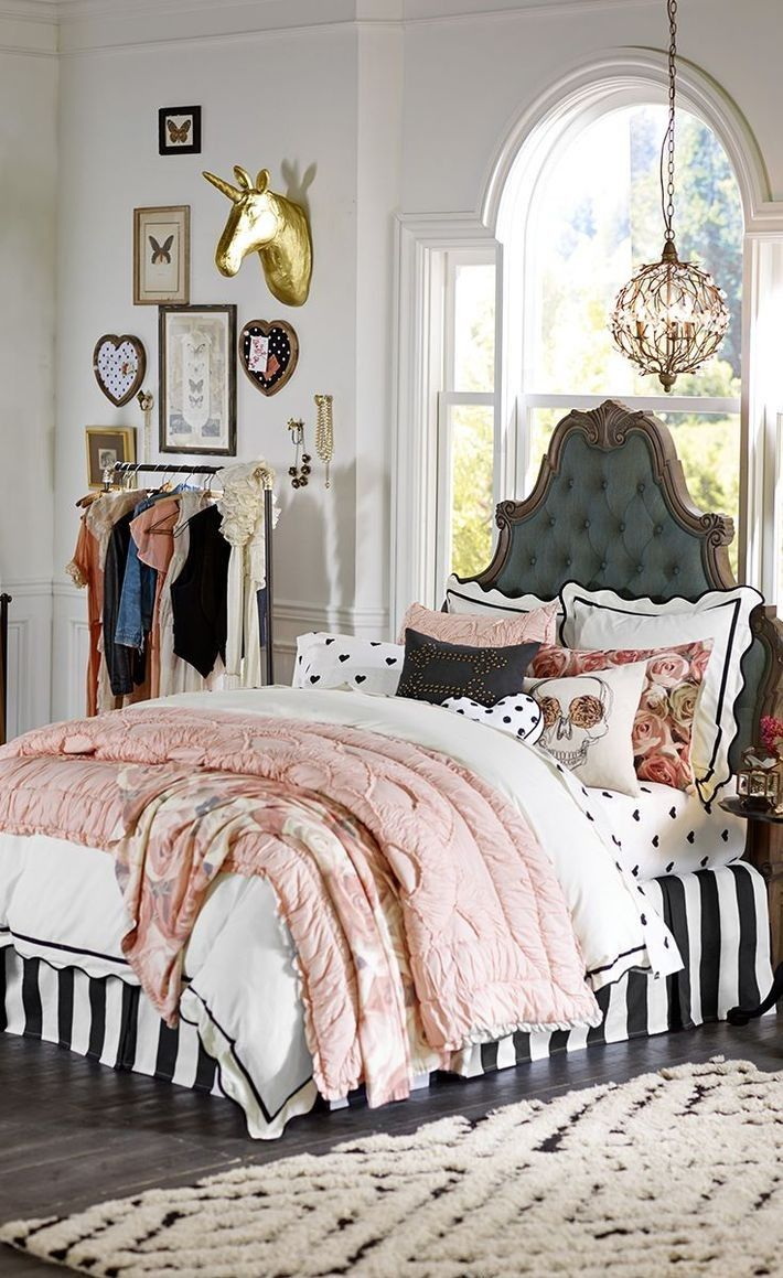 ComfyDwelling.com » Blog Archive » 55 Adorable Feminine Bedroom Decor Ideas  Part 54