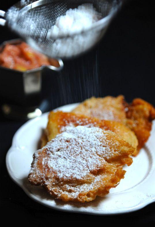 burczymiwbrzuchu: Śniadanie do łóżka #98: Racuchy z duszonym jabłkie...