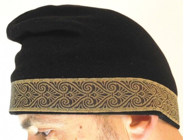 Dacian hat, wool, hand-sewn, decorative stripe, palmette embroidery