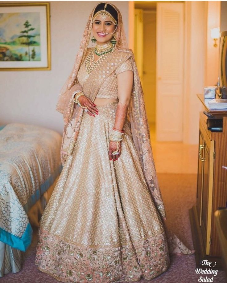 Lehnga is gorgeous but because of wrong color contrast it's not looking as beautiful. Now the dupatta and lehnga should be of different color and the jewelry should be of something to contrast with the color of outfit