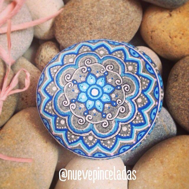 671 mejores im genes sobre piedras pintadas i love en for Pintura para pintar piedras