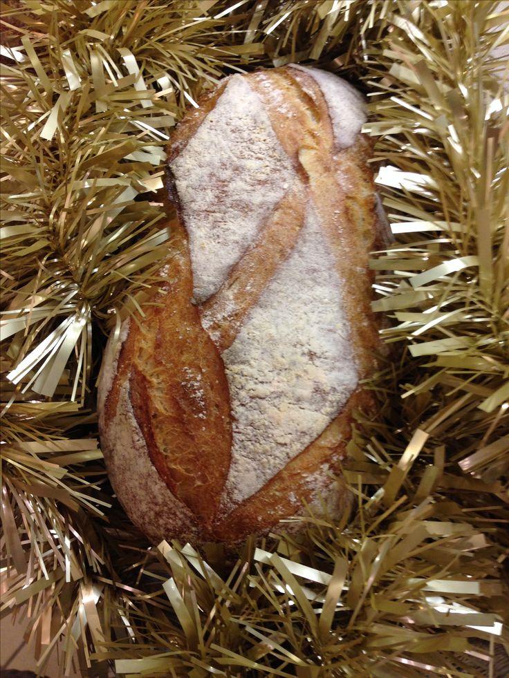 Notre pain Gaulois Les Fromentiers Puteaux en habits de Noël ! Our Gaulous bread Les Fromentiers Puteaux ready for Christmas  !