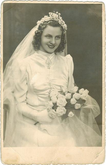 #vintage #bride <3 themarriedapp.com hearted <3