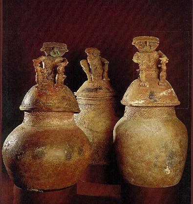 Urnas funerarias; - Precolombino