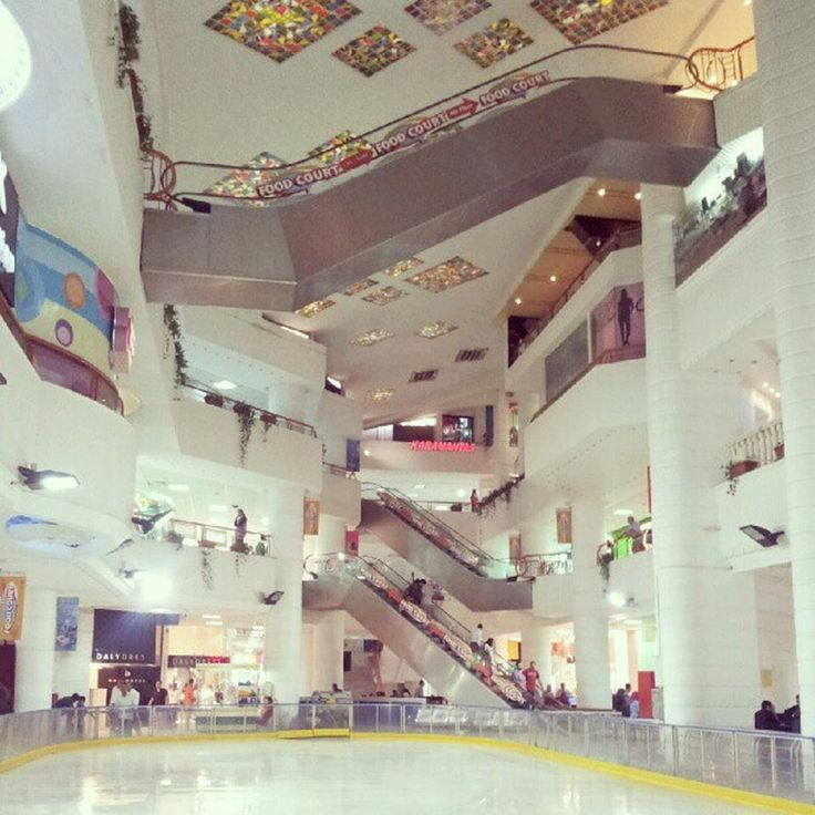 Genena Mall - A beautiful mall perfect for spending a whole day searching for souvenirs #Cairo