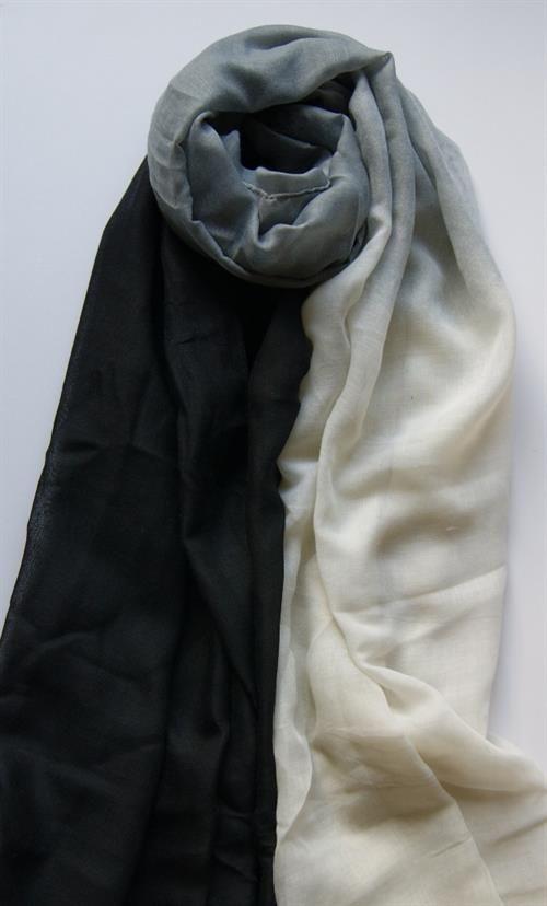 Big scarf in 3 colours. 90 x 180 cm Viscose