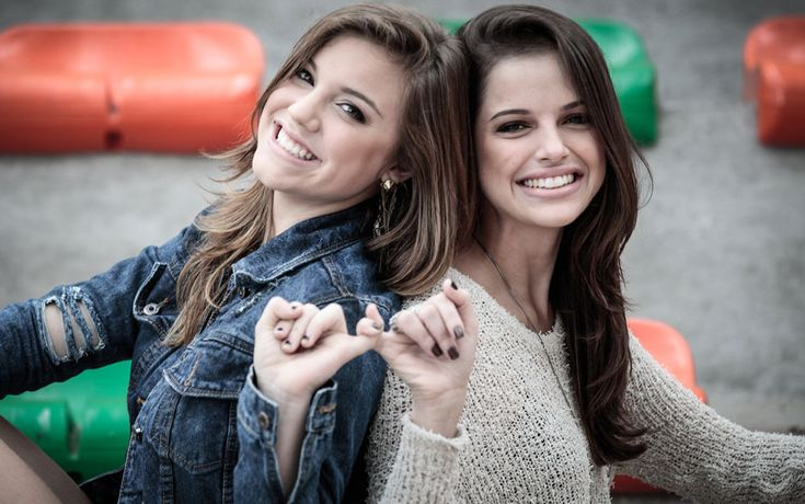 Central de Notícias Malhação: Amigas! Alice Wegmann e Agatha Moreira se despedem de Malhação com ensaio fotográfico, veja fotos